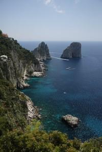 Ostrov  Capri - skaliska Faraglioni