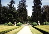 Buchlovice: pohled ze zámku do zahrady