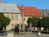 Hodkovice nad Mohelkou: Mariánské sousoší na nám. T.G.M.