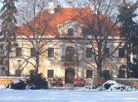Horní zámek: Panenské Břežany, domov důchodců