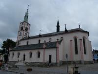 kostel sv. Markéty, naproti muzeu