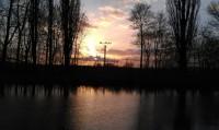 Holásecké jezero při západu slunce (foceno mobilem)