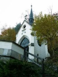 Kaple Panny Marie vybudovaná v roce 1700 hrabětem Sternbergem