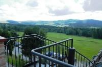 Z terasy hotelu