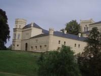 Pohled z parku na zámek