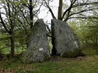 mohla by to být i kamenná p...l
