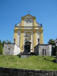 průčelí kostela