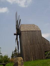 Větrný mlýn u Klobouk