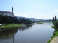 Děčínský zámek: Děčínský zámek nad Ploučnicí a Labem