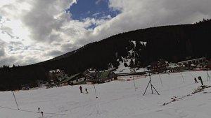 Na běžkách z Pece přes Hnědý vrch, Lesní a Pražskou boudu a Peckou samotu zpět do Pece pod Sněžkou