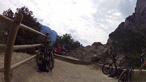 Ponale Trail: úžasná cyklotrasa u Lago di Grada