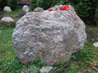 Ruský hřbitov - základní pomník