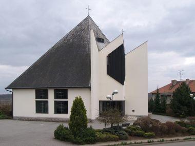 Kostel sv. Martina z r. 1994, základní kámen požehnán v Římě Janem Pavlem II.