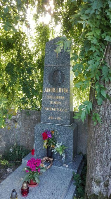 Pomník J.J.Ryby ve Starém Rožmitále.