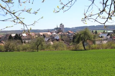 Sobotka, pohled na město z cesty na Humprecht