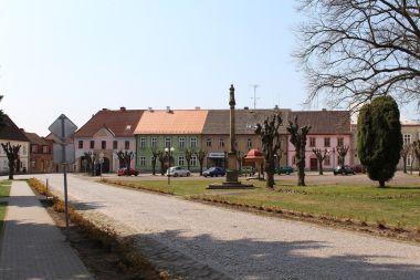 Železnice, náměstí