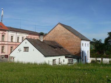 Hartmanice, synagoga boční stěna