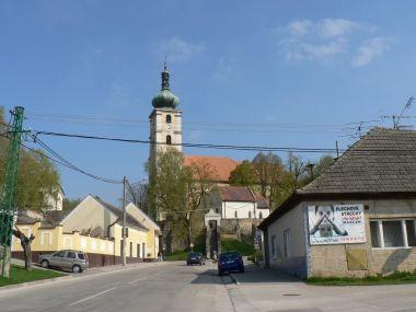 Čachtice, farní kostel