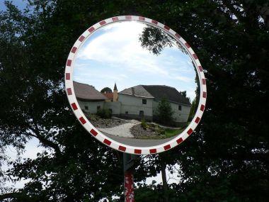 Jindřichovice, zámky v zrcadle