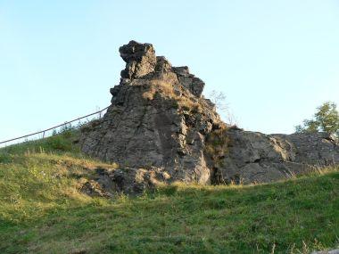 Tolštejn, vrcholová skála