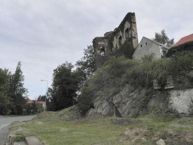 Říčany, hrad