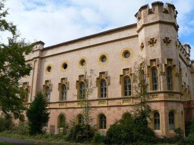Bezděkov, východní strana zámku
