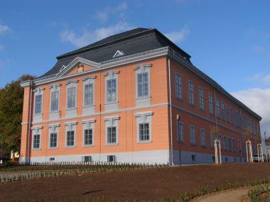 Lomnice nad Popelkou - zámek