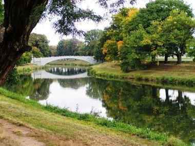 Labe a kamenný most u Plácek