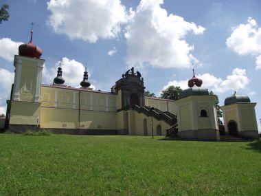 klášter Dolní Hedeč (Králíky)