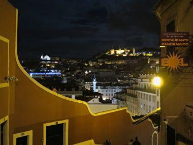 noční Lisabon
