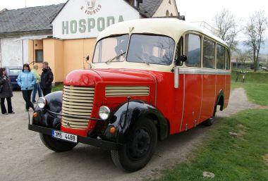 historický autobus Praga