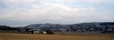 Výhled na obec Dzbel