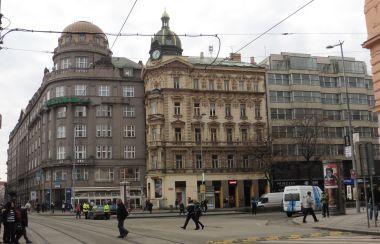 roh Vodičkové ul. a Václavského nám. vpravo U Stýblů