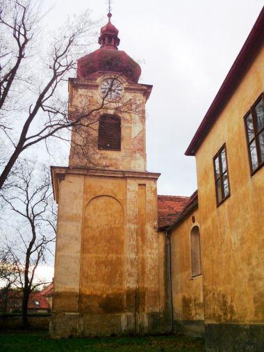 kostelní věž od východu