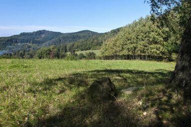 Prostřední skála a Petrovský vrch