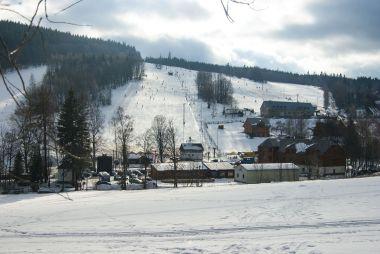 Svahy Ski Karlov ještě bez lanovky