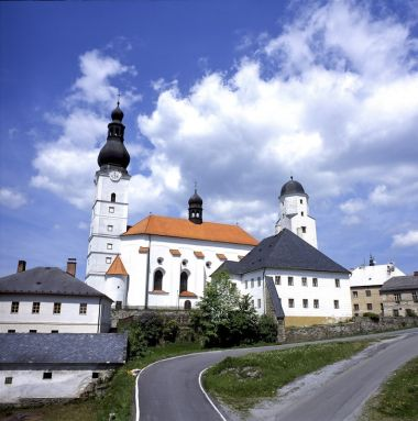 Kostel Archanděla Michaela a fojtství