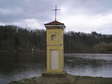 Vlevo Vltava, vpravo Lužnice