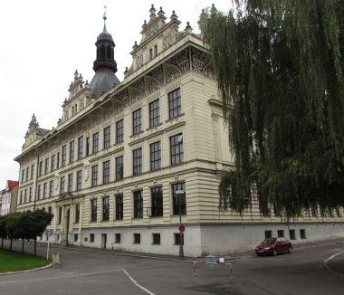 komenského náměstí - budova pedag.školy