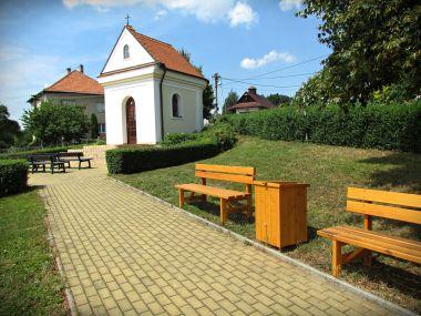 Druhá kaple s posezením