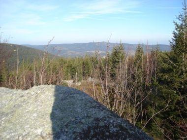 Výhled ze skalky na Kačavské hory