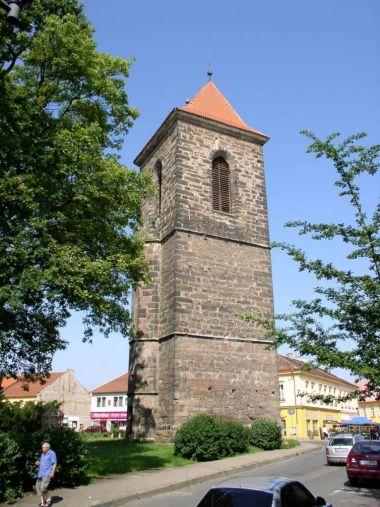 gotická zvonice v Českém Brodě