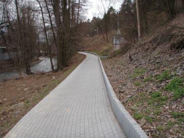 M.Údolí,dlážděná část cesty