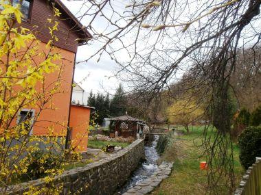 Domaslavický potok s hastrmánkem a mlýnským kolem
