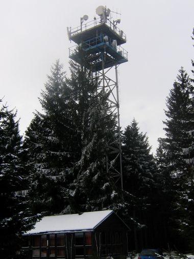 Na Libíně stojí ještě jedna věž - ošklivější
