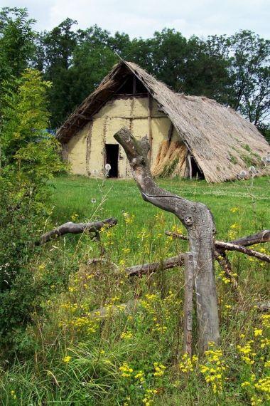 Tzv. dlouhý dům, 4. tis. př.n.l.