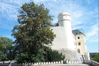 orlík, zámek: Orlík v srpnu 2003