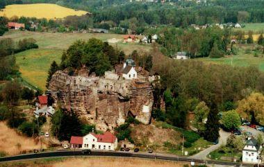 hrad Sloup z vyhlídky (teď je tam prý i rozhledna)
