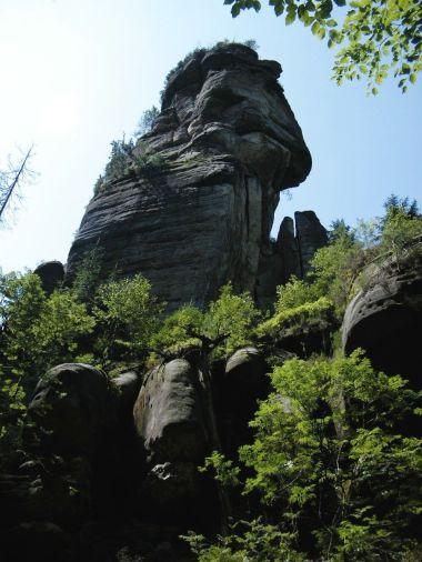 skalní věž nad Haťovým dolem
