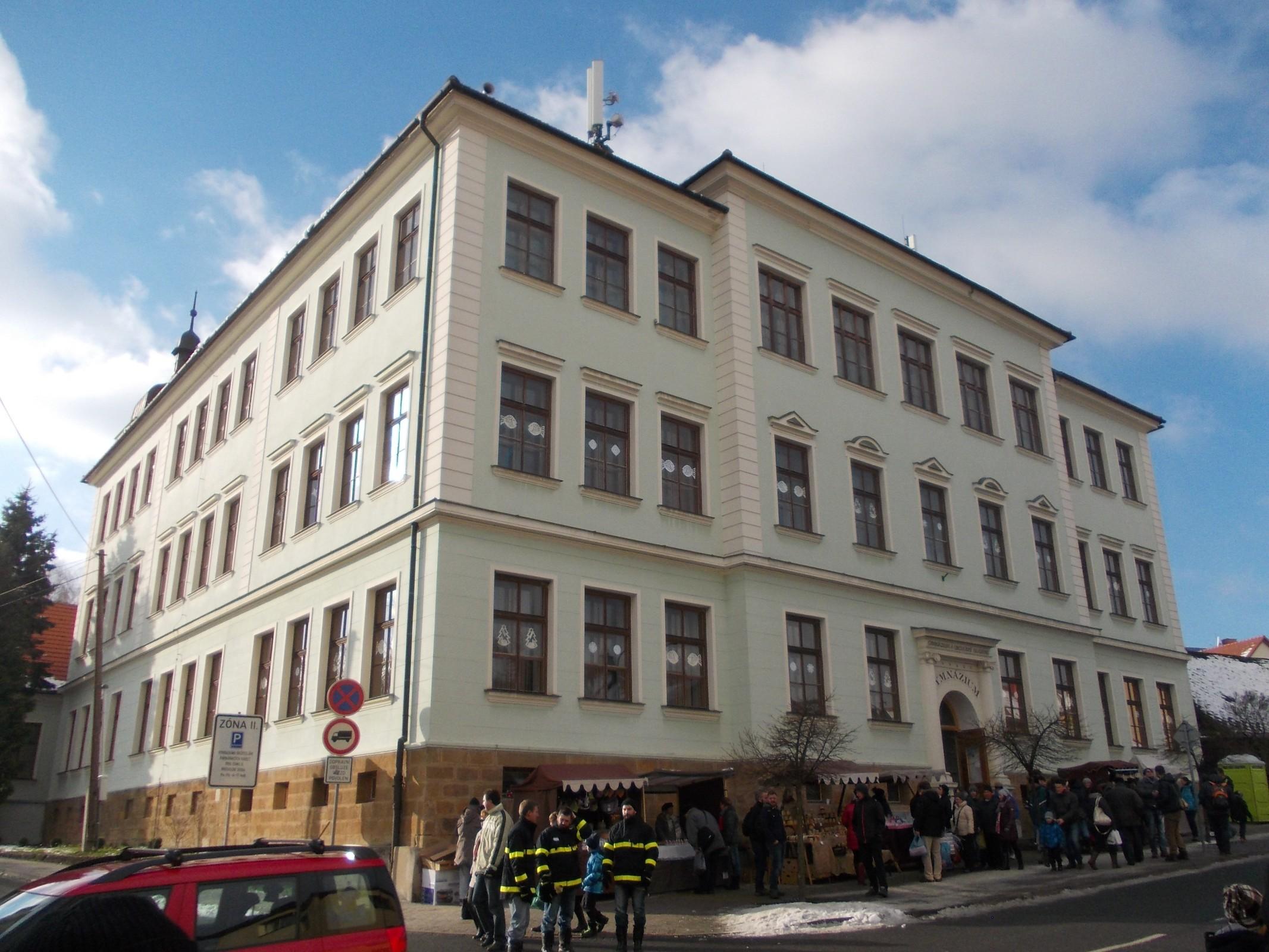 ec719e63c24 Gymnázium Valašské Klobouky